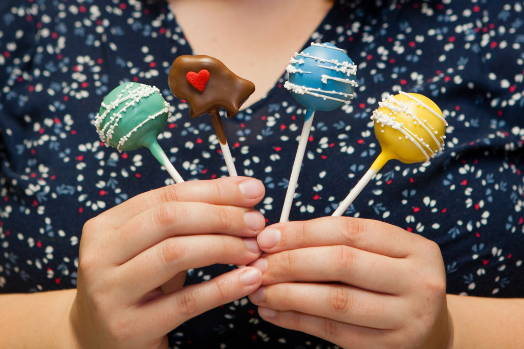 Buffalo Cake Pops Sweet Treats
